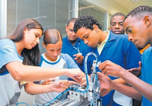 Governo abre 11 mil vagas para cursos técnicos