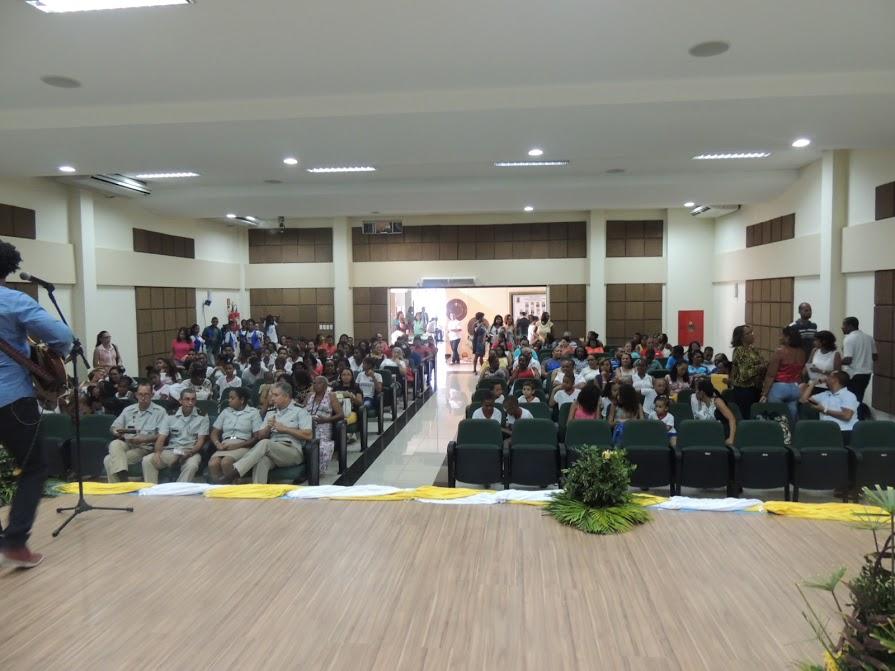 Câmara de Candeias promove solenidade de premiação de professores