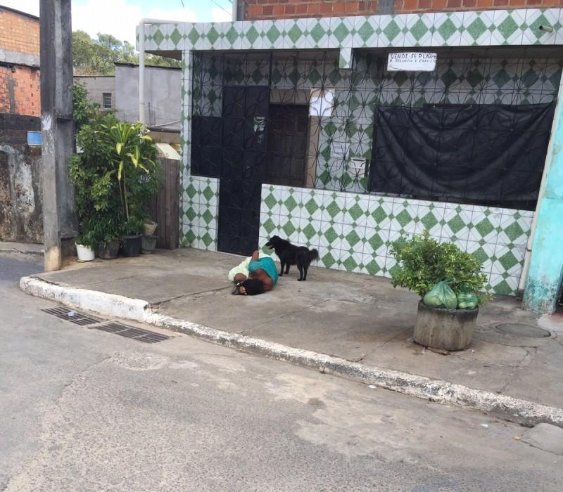 Mulher é estuprada e abandonada na Estrada das Barreiras