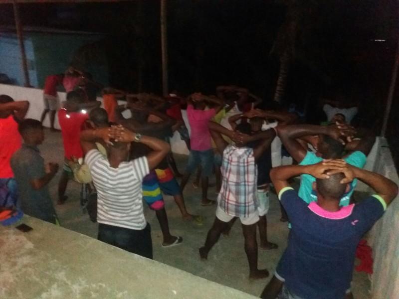 """Polícia acaba com """"festa do pó"""" em São Sebastião do Passé"""