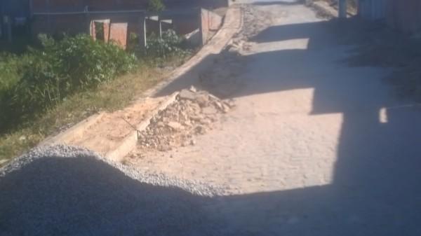 Prefeitura de São Francisco do Conde paga duas vezes por obra de calçadas