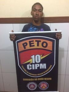 Jovem é preso com drogas em São Sebastião do Passé