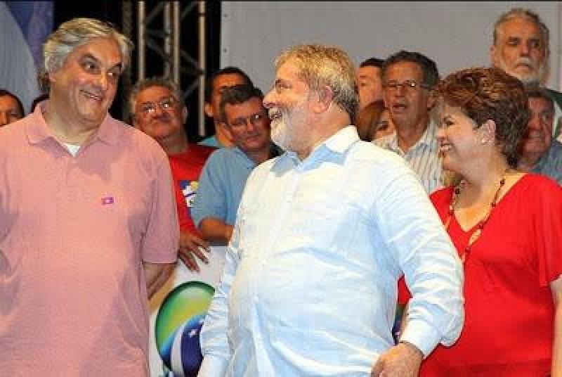 Lula comandava corrupção na Petrobras