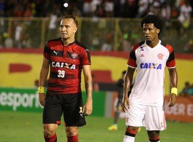 Vitória perde de virada para o Flamengo e permanece no Z4
