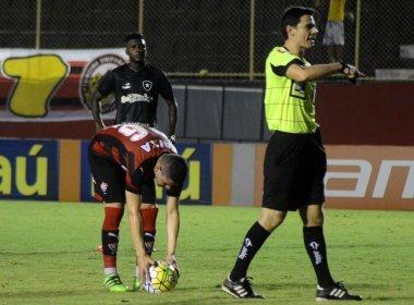 Vitória perde pênalti e sofre derrota para o Botafogo no Barradão