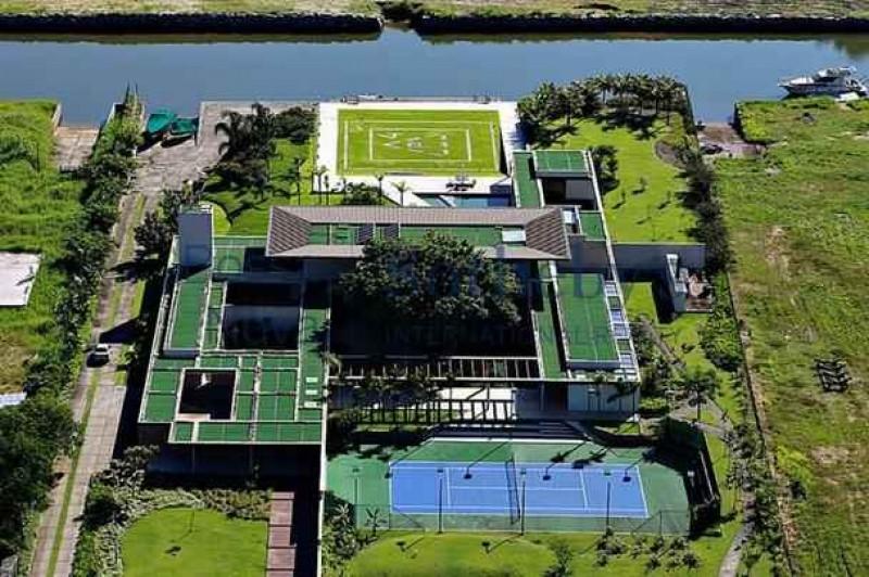 Com apenas 24 anos , Neymar compra mansão avaliada em R$ 28 milhões