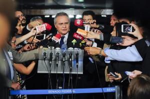 Renan declara guerra ao Judiciário e articula fim da aposentaria integral como punição para juízes