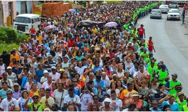 Fé de Devoção reúnem milhares de fieis em romaria ao santuário