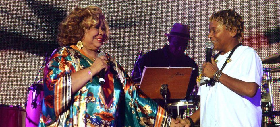 Diversos artistas se apresentam no Festival de Samba