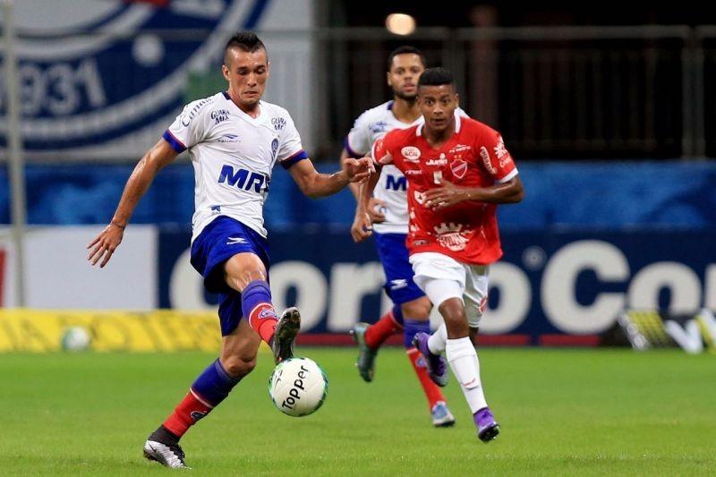 Precisando vencer para continuar na briga pelo G-4, Bahia encara o Vila Nova