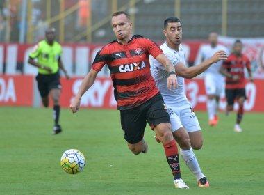 Vitória goleia Figueirense e permanece fora do Z4