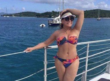 Aos 74 anos, Susana Vieira esbanja boa forma em ilha do Caribe