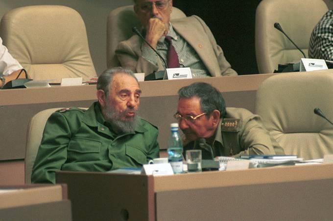 Raúl Castro torna lei último desejo de Fidel