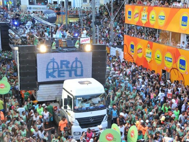 Crise e taxas altas deixam diversos blocos fora do Carnaval de Salvador